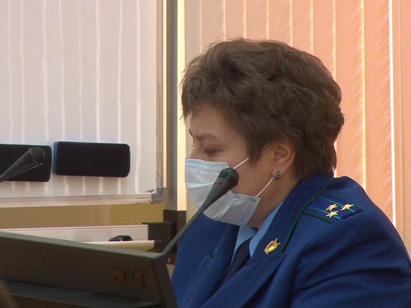 Помощник прокурора рассказала о проблеме с жильем для сирот