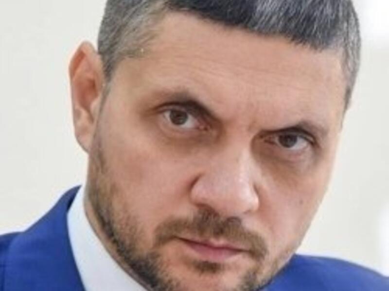 Осипов продолжает препятствовать работе журналистов