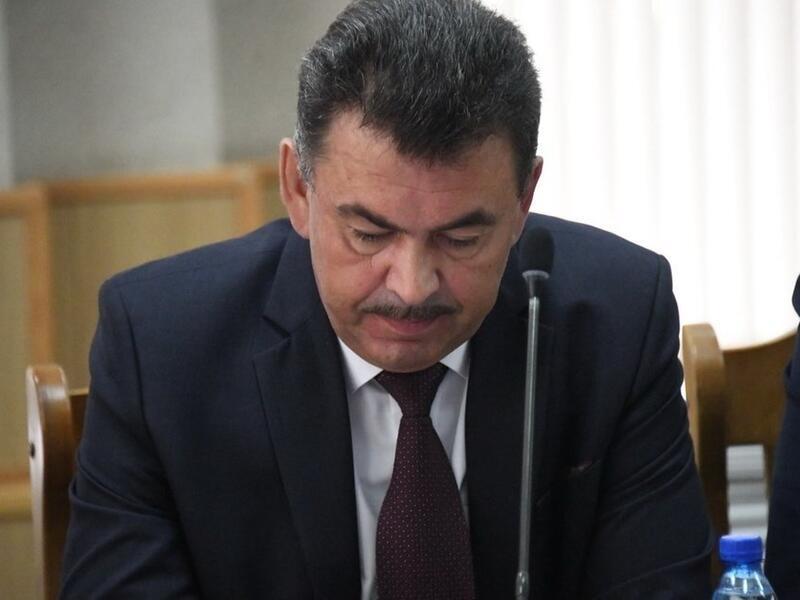 Депутаты требуют сокращения штата сотрудников городской администрации