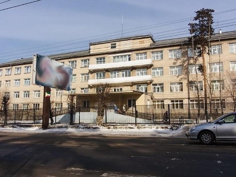 Главврач рассказал о подробностях падения мальчика из окна детской больницы в Чите
