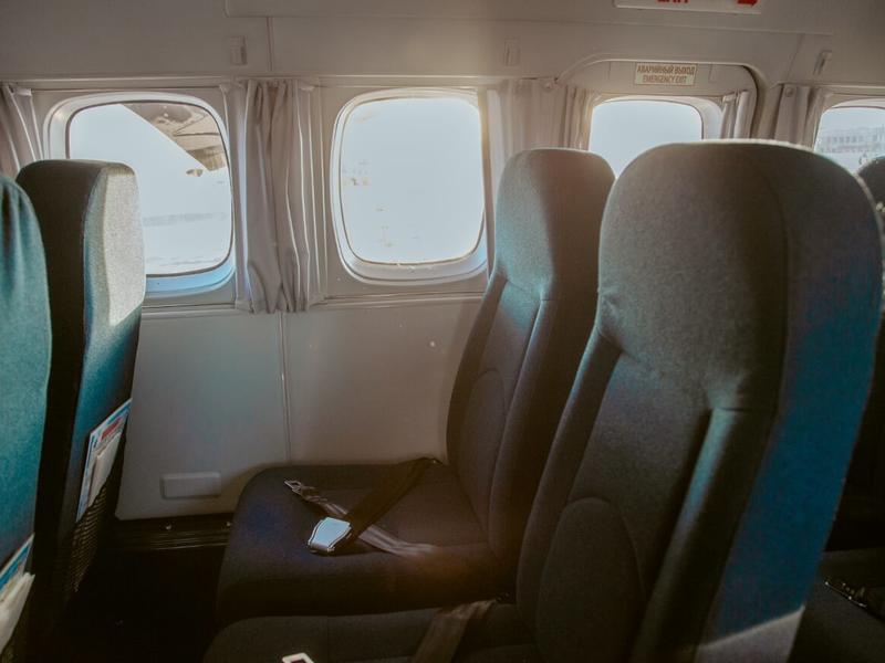 Пьяный дебошир оскорблял бортпроводников на авиарейсе Новосибирск - Чита