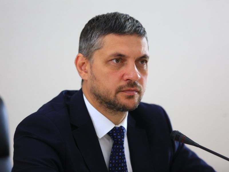 В пресс-службе правительства заявили о выходе Осипова из Некоммерческого партнерства