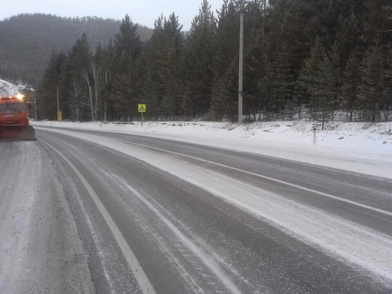 52 единицы техники и 84 рабочих вышли на очистку дорог от снега в Забайкалье