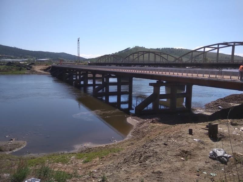 Строительство временного моста через Ингоду в Дарасуне подходит к завершению