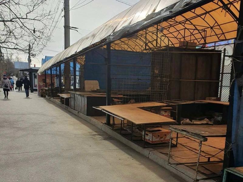 Продавцы на «викуловском» рынке продолжают незаконную торговлю в Чите