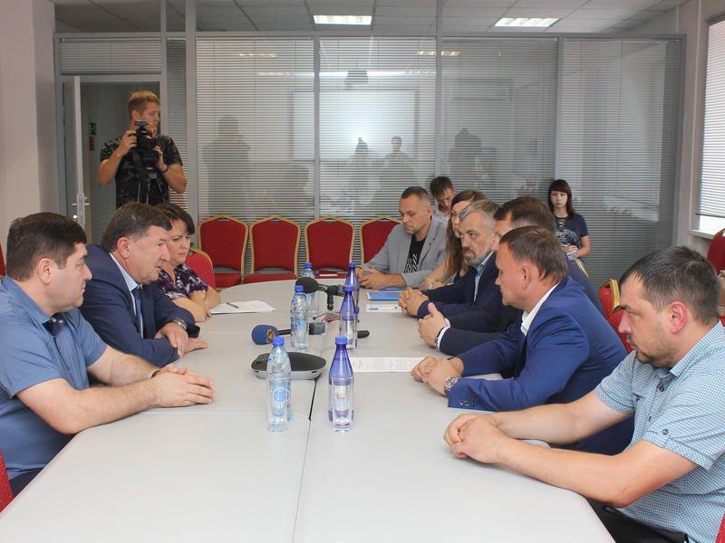 Союз «Забайкальская ТПП» передал спикеру Лиханову законопроект о торгово-промышленной палате