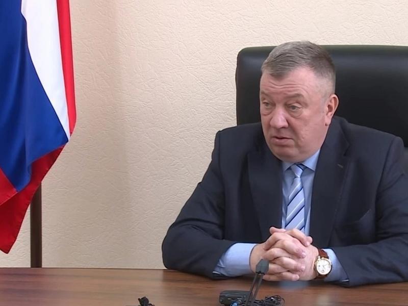 Гурулёв: у нас идут постоянные жалобы на протекающие крыши