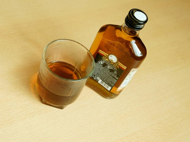Россиянам предложили разрешить пьянствовать на удаленке