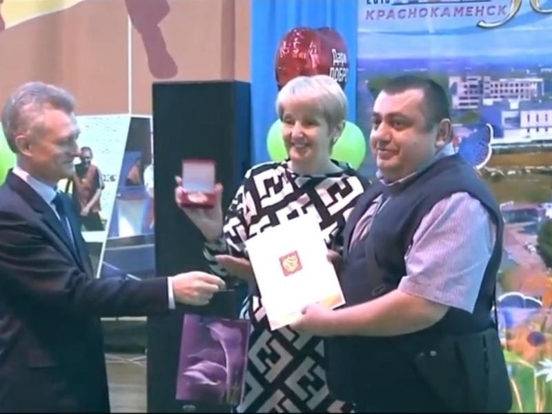 Проходящий по уголовному делу о крупной взятке Орхан Пашаев получил президентскую медаль в Краснокаменске