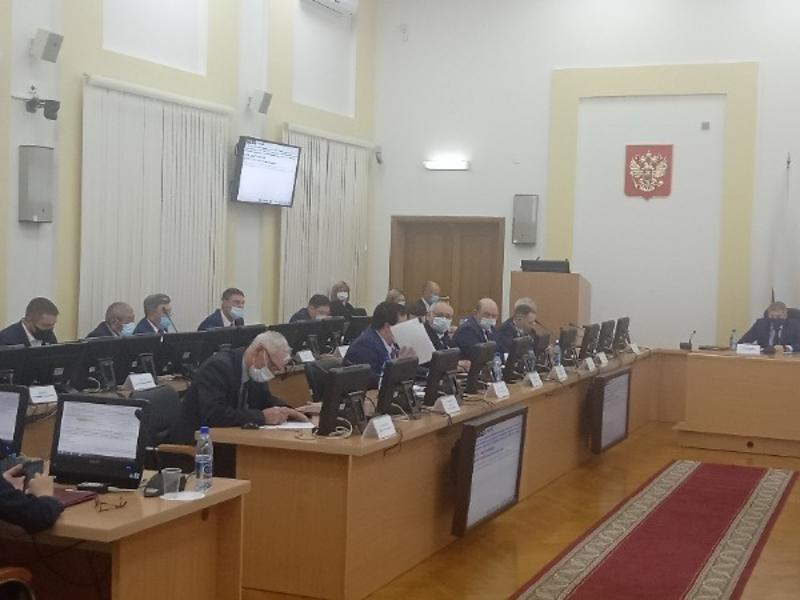 Коростелев огласил «тревожный» документ на заседании забайкальского парламента