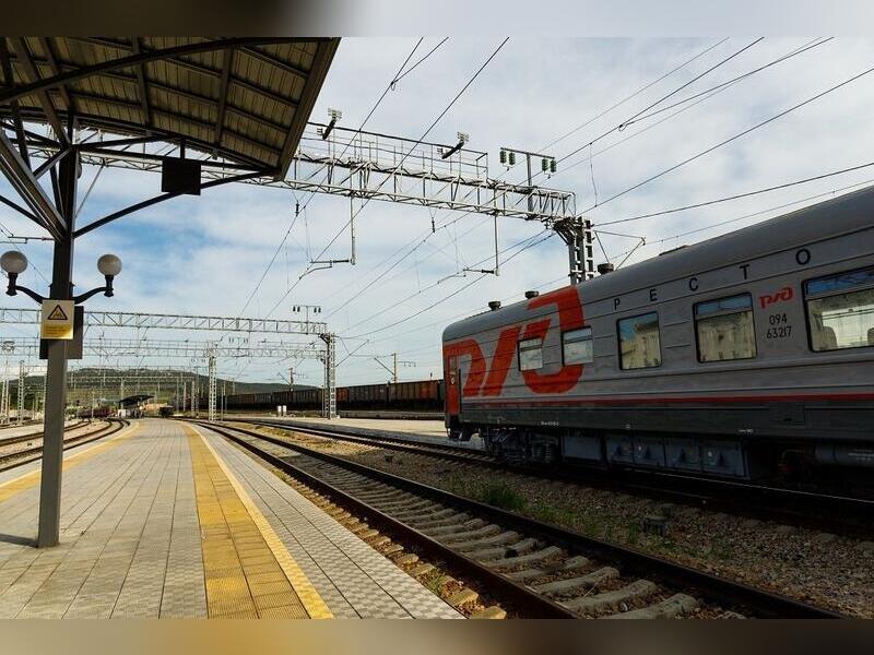 Тележка рабочего поезда ЗабЖД сошла с рельсов в Забайкалье