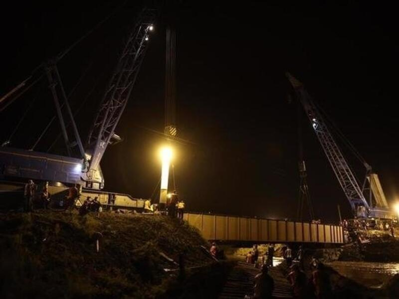 Восстановление рухнувшего моста на Транссибе продолжается