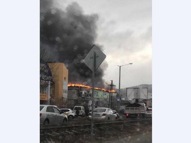 Возгорание крытого рынка произошло в Чите