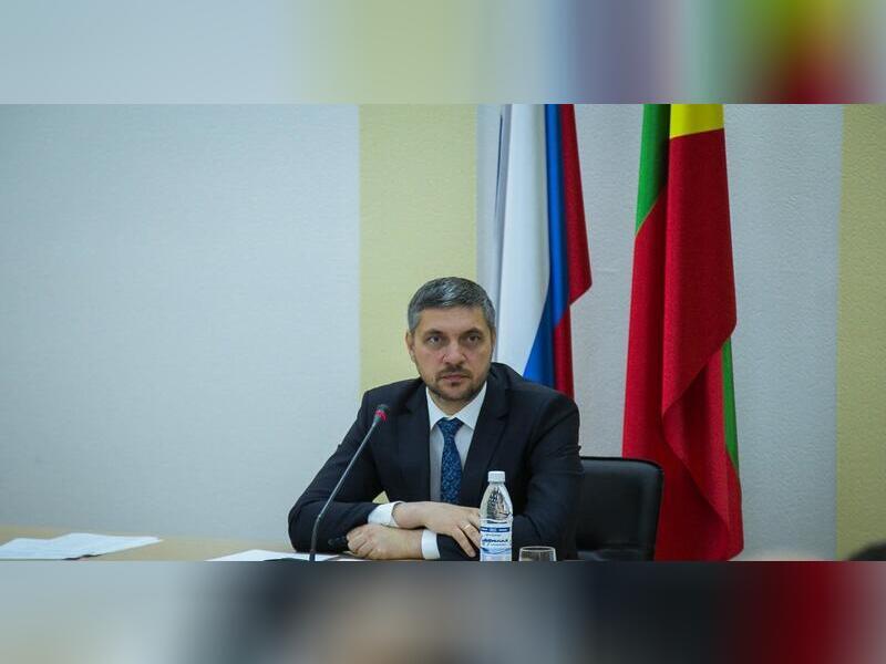 Губернатор Забайкалья поручил найти средства для увеличения зарплат пожарных