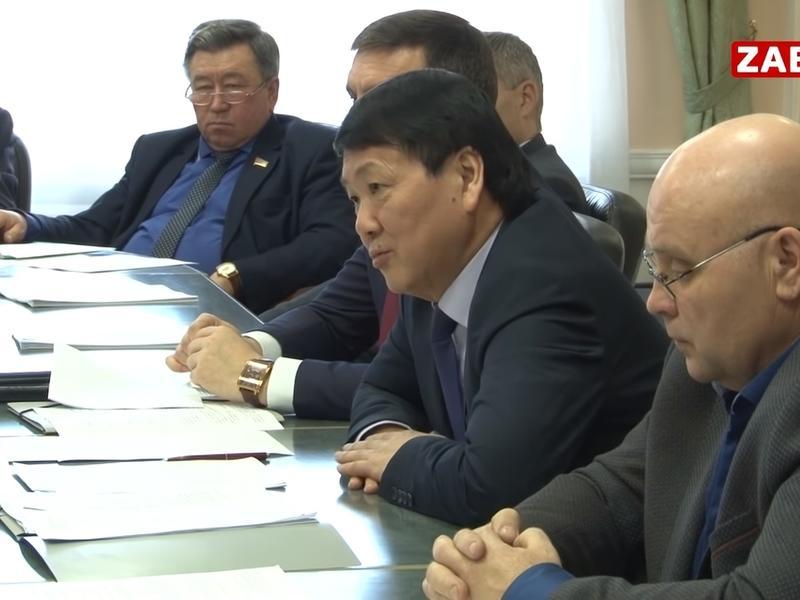 Забайкальские парламентарии винят в своем бессилии Юрия Кона - ZAB.TV
