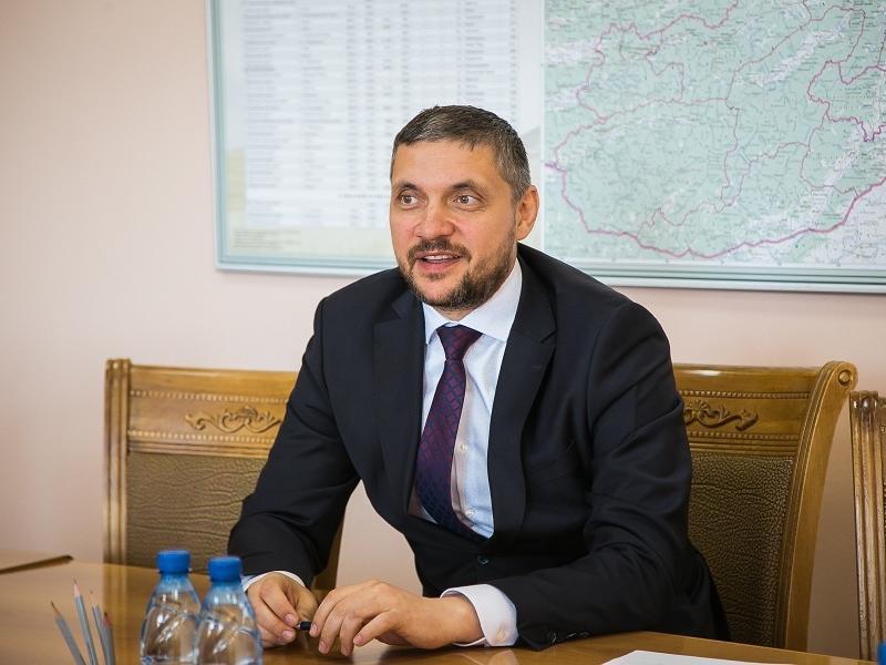 Правительство Забайкалья отказалось назвать стоимость 48 полетов Осипова в Москву