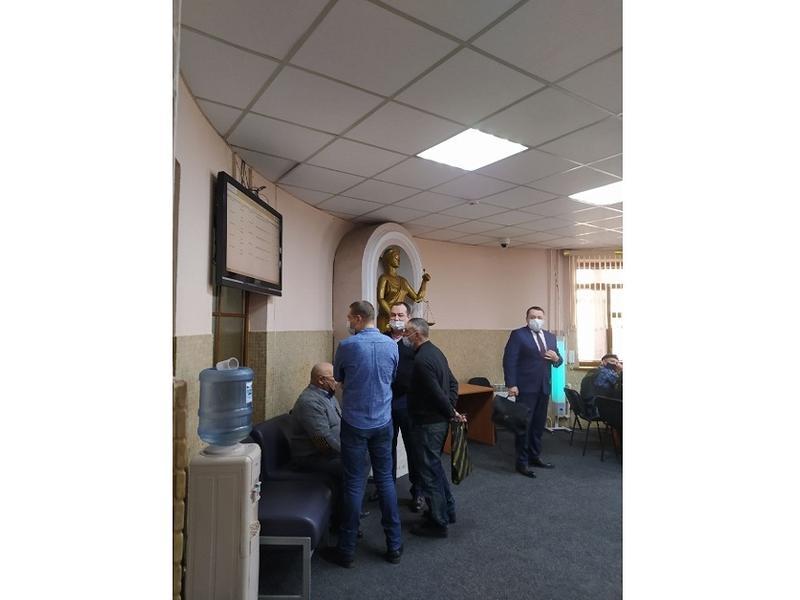 Бывший сити-менеджер Кузнецов ожидает начала заседания суда: Под арест домой или в СИЗО