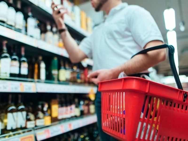 РСТ предложила полностью запретить продажу алкоголя во время праздников в Забайкалье