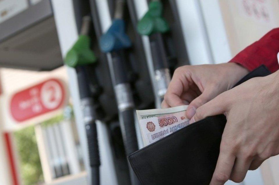 Занеделю цены на горючее наАЗС Свердловской области подскочили на1