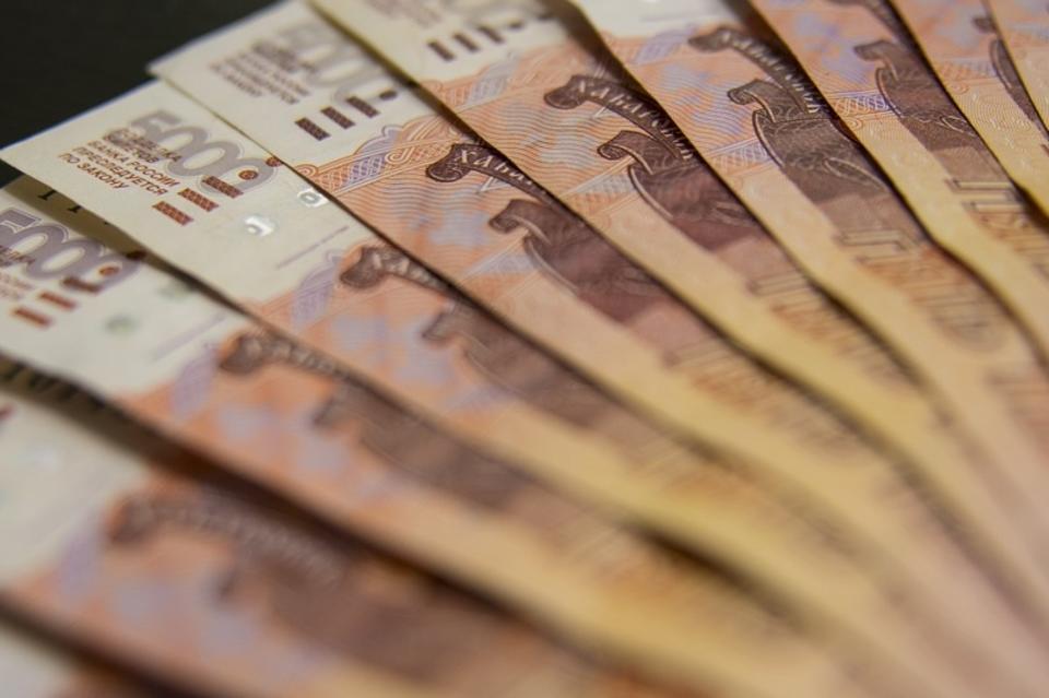 ВТБ ввёл 10% комиссию за снятие наличных в кассе