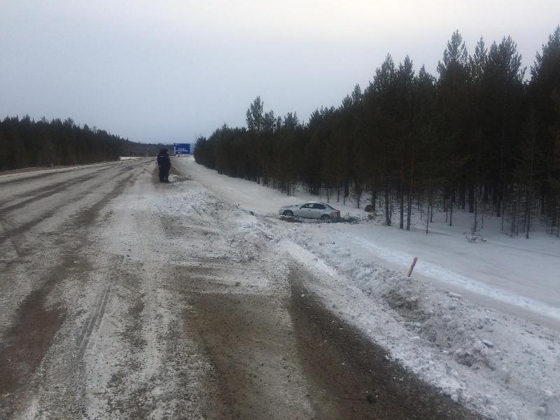 Пассажир пострадала в перевернувшемся на ремонтируемой дороге Nissan Skyline