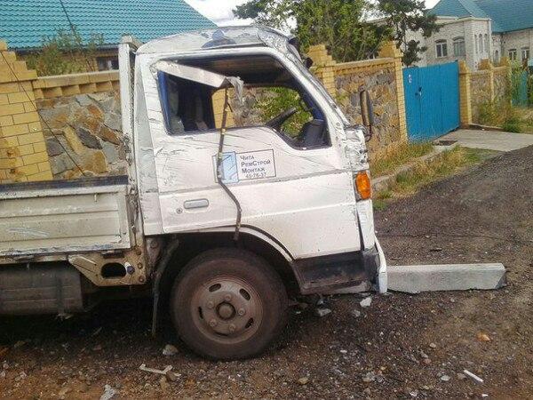 ВЧите минигрузовик врезался вопору ЛЭП